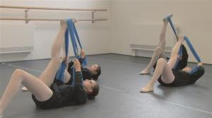 how-to-do-ballet-stretches.WidePlayer